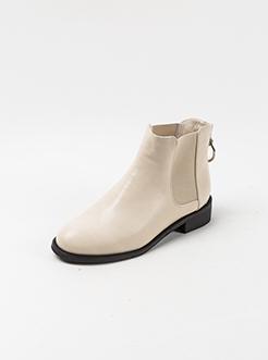 三福2018女冬圆环纯色套口粗跟短靴时尚切尔西靴女鞋