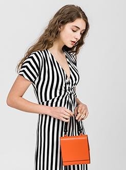 三福2019女春OL系列简约时尚梯形单肩斜挎手提包女包