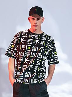 三福2019夏装新品?#26032;?#29256;印花短袖T恤 微落肩潮流上衣男