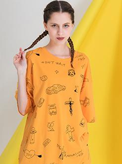 三福2019夏装新品女休闲宽松短袖T恤 时尚满版印花上衣女