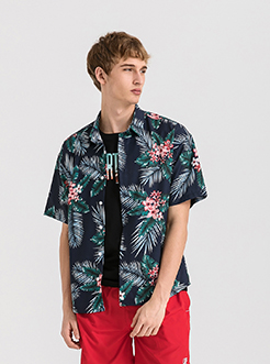 三福2019夏装新品男度假风满版印花短袖衬衫 宽松衬衣男