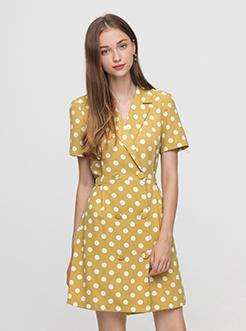 三福2019夏裝新品女波點襯衫式連衣裙 V領收腰中長裙女