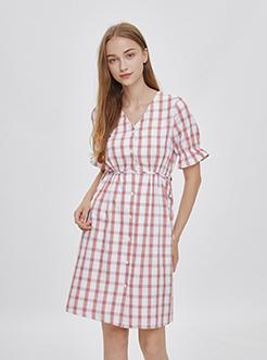 三福2019夏装新品女V领格纹排扣连衣裙 甜美清新裙女
